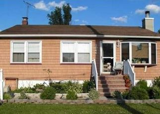 Pre Foreclosure in Avenel 07001 RAHWAY AVE - Property ID: 1484259890
