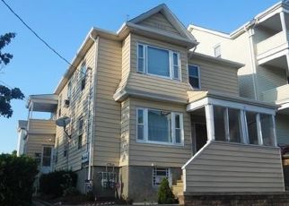 Pre Foreclosure in Fall River 02723 HORTON ST - Property ID: 1484541491