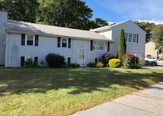 Pre Foreclosure in Somerset 02726 CHATEAU DR - Property ID: 1484544557