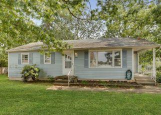 Pre Foreclosure in Beachwood 08722 SPAR AVE - Property ID: 1484588350