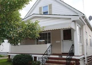 Pre Foreclosure in Lakewood 44107 DOWD AVE - Property ID: 1484970711