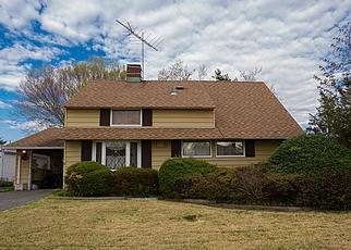 Pre Foreclosure in Hicksville 11801 ANGLE LN - Property ID: 1485478314