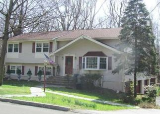 Pre Foreclosure in Goshen 10924 CAMELOT DR - Property ID: 1485567665