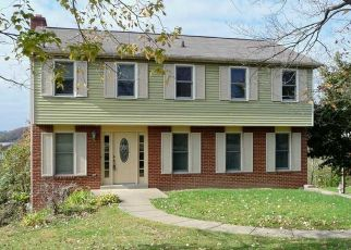 Pre Foreclosure in Clairton 15025 GILL HALL RD - Property ID: 1486734873