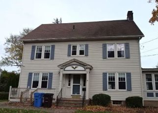 Pre Foreclosure in New Britain 06052 COOLIDGE ST - Property ID: 1487593292