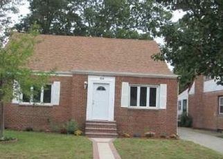 Pre Foreclosure in Freeport 11520 MOUNT JOY AVE - Property ID: 1487930983