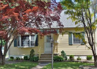 Pre Foreclosure in Pompton Lakes 07442 PINE ST - Property ID: 1488220472