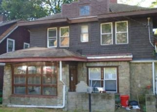 Pre Foreclosure in Pittsburgh 15235 WESTWOOD RD - Property ID: 1489242709