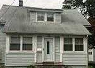 Pre Foreclosure in Islip Terrace 11752 MANHATTAN BLVD - Property ID: 1490208887