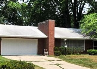 Pre Foreclosure in Toledo 43607 EMMAJEAN RD - Property ID: 1490566255