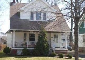 Pre Foreclosure in Lakewood 44107 ELBUR AVE - Property ID: 1491441781