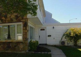 Pre Foreclosure in Staten Island 10312 HAMPTON GRN - Property ID: 1491487319