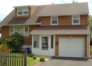 Pre Foreclosure in Woodbridge 07095 MELBOURNE CT - Property ID: 1492027786