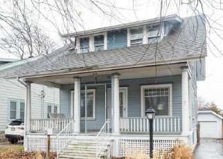 Pre Foreclosure in Waukesha 53186 N WEST AVE - Property ID: 1492425913