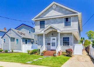 Pre Foreclosure in Lindenhurst 11757 S 7TH ST - Property ID: 1492840212