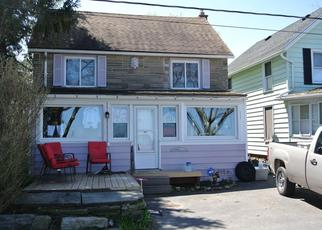 Pre Foreclosure in Rochester 14622 LAKE BLUFF RD - Property ID: 1492867375