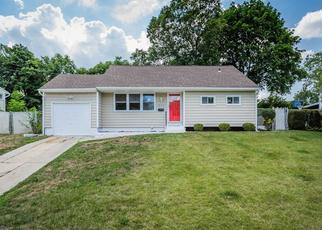 Pre Foreclosure in Brentwood 11717 CLAYWOOD DR - Property ID: 1492923884