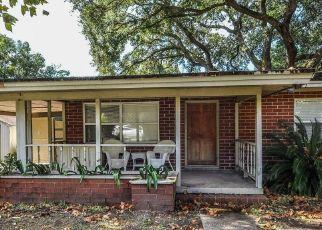 Pre Foreclosure in Fernandina Beach 32034 S 5TH ST - Property ID: 1493250156