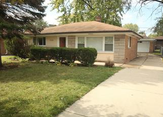 Pre Foreclosure in Lansing 60438 WALTER ST - Property ID: 1493801130