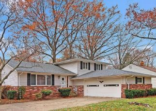 Pre Foreclosure in Euclid 44117 GREENWOOD RD - Property ID: 1494564976