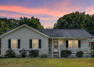 Pre Foreclosure in Colonial Beach 22443 MEADOW AVE - Property ID: 1494990230
