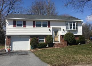 Pre Foreclosure in Methuen 01844 YOUNG FARM RD - Property ID: 1495134322
