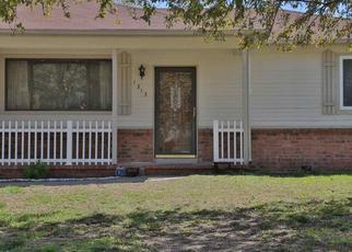 Pre Foreclosure in Wichita 67216 E KEMPER ST - Property ID: 1495447477