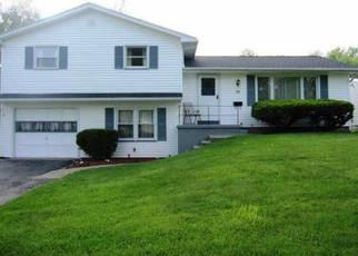 Pre Foreclosure in Rochester 14612 FAIRWAY DR - Property ID: 1495759316