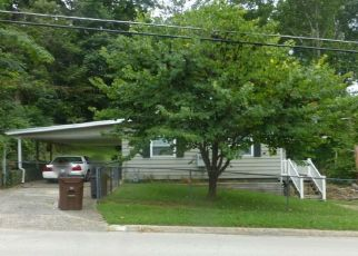 Pre Foreclosure in Oak Ridge 37830 OUTER DR - Property ID: 1495842985