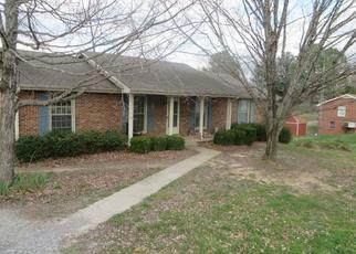 Pre Foreclosure in Clarksville 37043 RED COAT RUN - Property ID: 1495877121