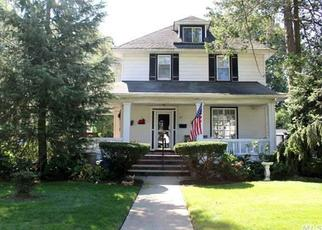 Pre Foreclosure in Freeport 11520 RANDALL AVE - Property ID: 1496781552