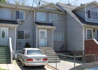 Pre Foreclosure in Staten Island 10306 FREEBORN ST - Property ID: 1496871331