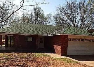 Pre Foreclosure in Guthrie 73044 S HAZEL ST - Property ID: 1497753868