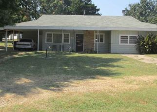 Pre Foreclosure in Arkansas City 67005 N 14TH ST - Property ID: 1497789324