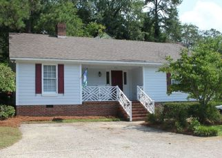Pre Foreclosure in Fayetteville 28305 HINSDALE AVE - Property ID: 1497980730