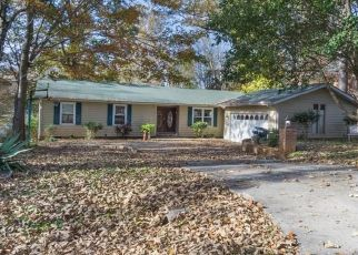 Pre Foreclosure in Trinity 27370 OAKVIEW DR - Property ID: 1497984667