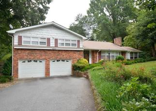Pre Foreclosure in Winston Salem 27103 WESTCHESTER RD - Property ID: 1498119563