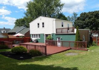 Pre Foreclosure in Lake View 14085 OLD LAKE SHORE RD - Property ID: 1498488333