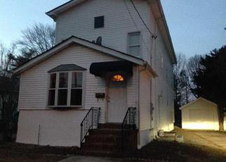 Pre Foreclosure in Uniondale 11553 NORTHERN PKWY - Property ID: 1498496660