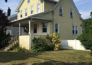 Pre Foreclosure in Freeport 11520 MILLER AVE - Property ID: 1498507606