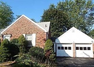 Pre Foreclosure in Rocky Hill 06067 CHARTER RD - Property ID: 1499774670