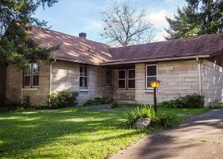 Pre Foreclosure in Louisville 40215 HUNTOON AVE - Property ID: 1500346663