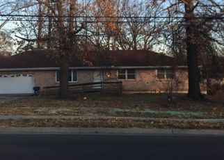 Pre Foreclosure in Kansas City 66112 PARALLEL PKWY - Property ID: 1500471478