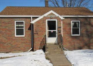 Pre Foreclosure in Dubuque 52001 WASHINGTON ST - Property ID: 1500690916