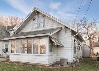 Pre Foreclosure in Des Moines 50317 E GRAND AVE - Property ID: 1500778950