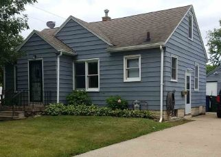 Pre Foreclosure in Waterloo 50702 W 11TH ST - Property ID: 1500782441