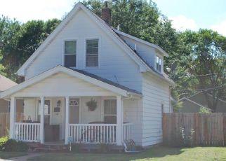 Pre Foreclosure in Cedar Rapids 52405 9TH ST NW - Property ID: 1500820549