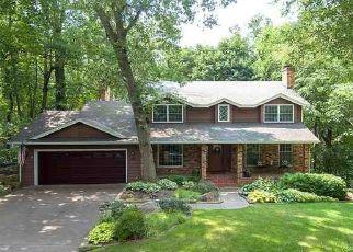 Pre Foreclosure in Bettendorf 52722 WILDWOOD TRL - Property ID: 1500857333