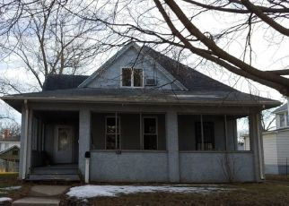 Pre Foreclosure in Davenport 52803 W 15TH ST - Property ID: 1500885814