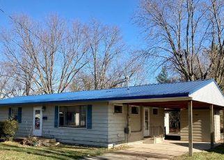 Pre Foreclosure in Newton 62448 DAVIS ST - Property ID: 1500976467